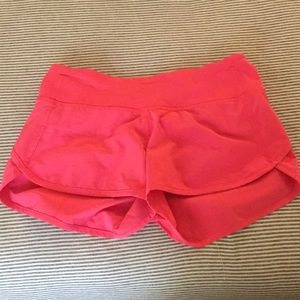 Lululemon hotty hot 2.5 shorts